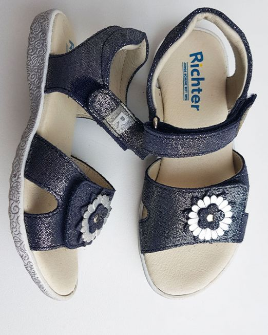 Summer sandals for girls